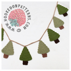 Free Crochet Christmas Tree Garland Pattern