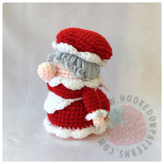 Christmas Eve Gonk Crochet Pattern by Hooked On Patterns side facing image