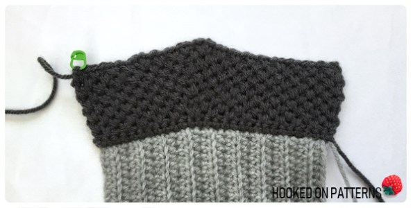 free crochet mittens pattern - Base Section