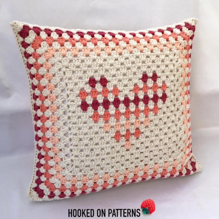 FreeHeart DesignCrochet Cushion Cover
