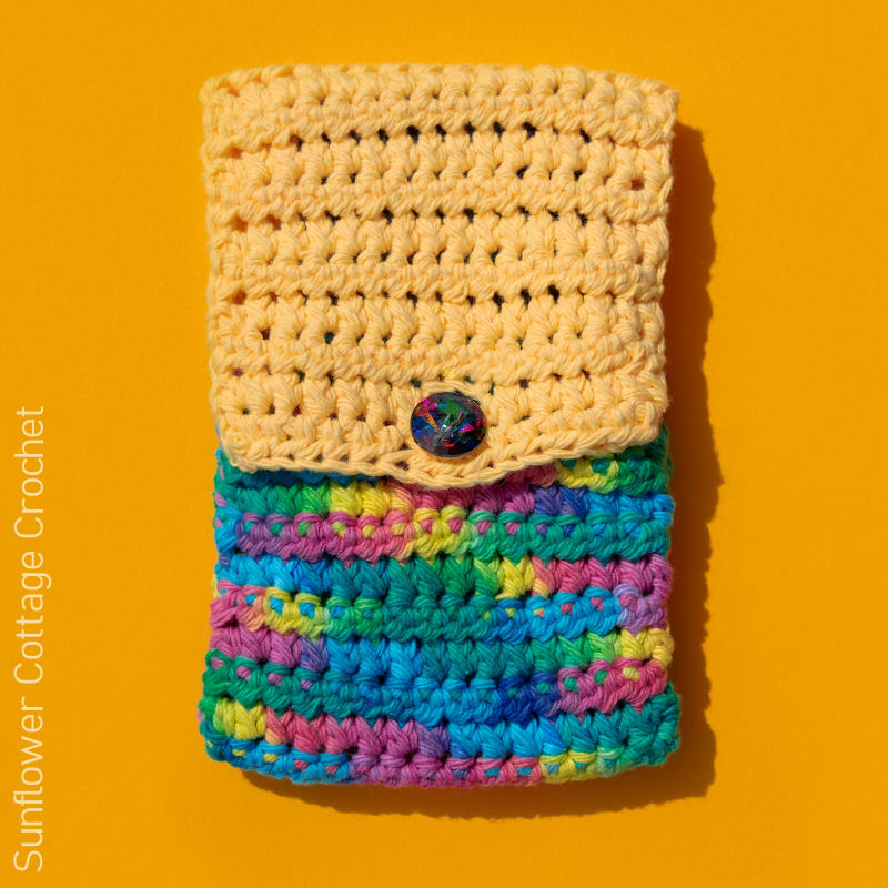 A photo of the Fold Over Phone Case free crochet pattern