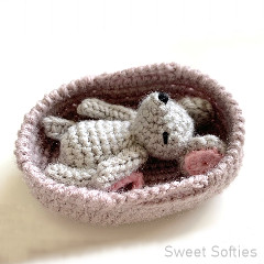 Thumbnail image of the Baby Mouse free crochet pattern