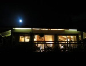 Maui Cottage Full Moon View