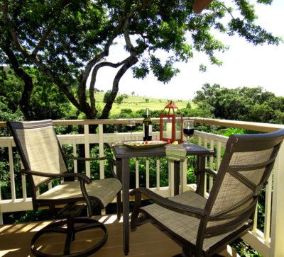 The Maui Cottage Deck