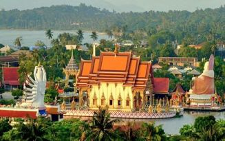 An aerial photo of Wat Plai Laem. This Buddhist temple is in the north-eastern corner of Koh Samui about 1 kilometre from Big Buddha (Wat Phra Yai).