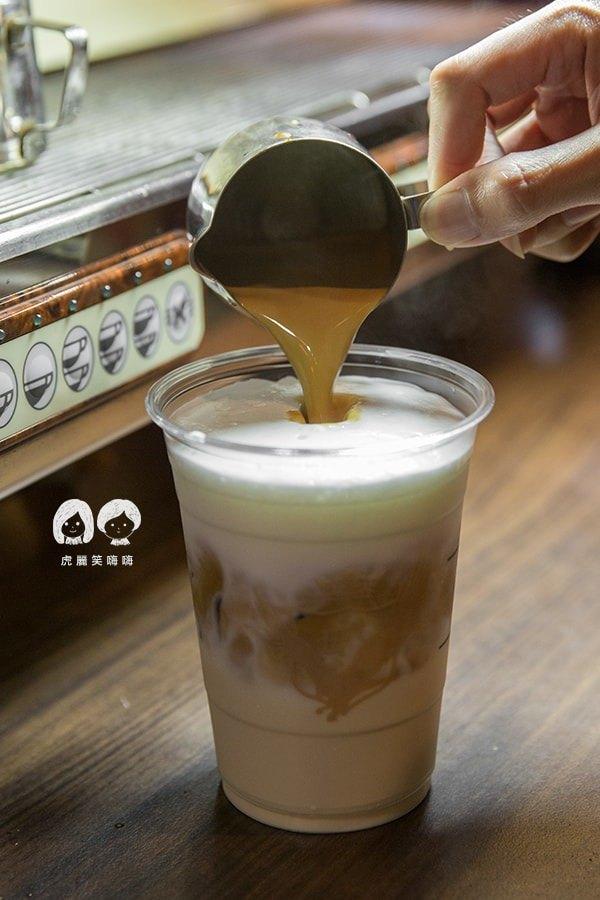 霍克伯爵 左營 咖啡廳 唐寧 TWININGS 貝禮詩伯爵鮮奶茶 NTD120