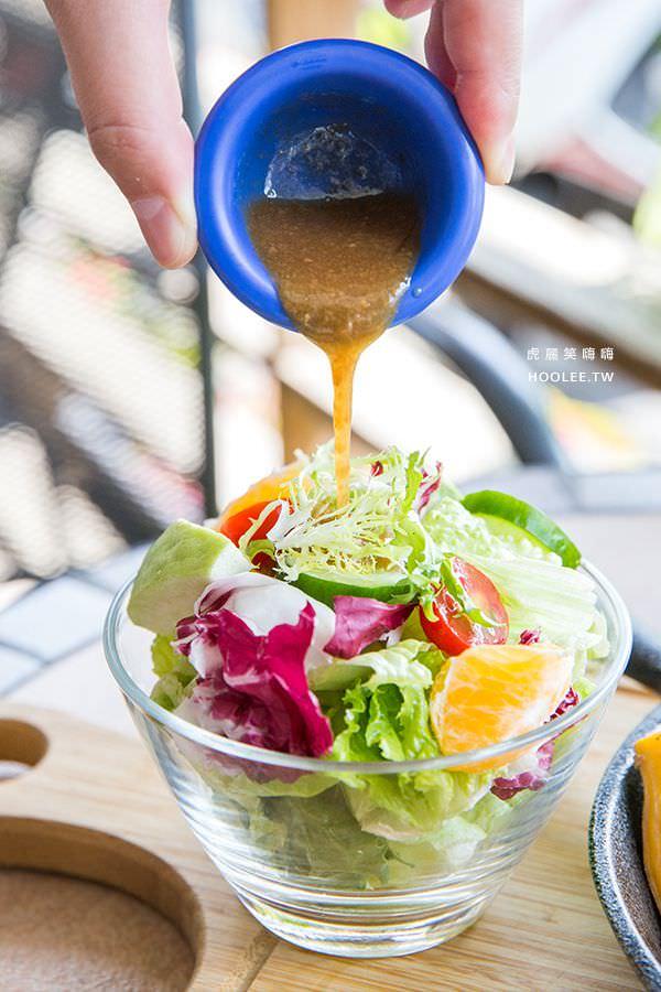 滴時刻早午餐 高雄咖啡廳 嫩煎松阪豬農場 NT$290 附飲料(紅茶/綠茶/黑咖啡或加點折抵NT$30)