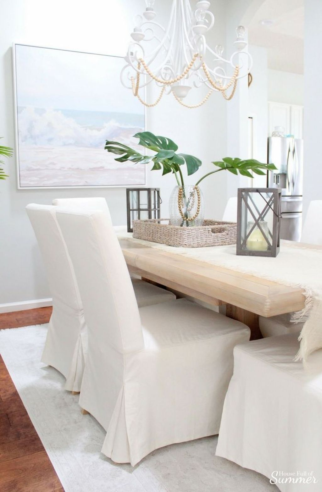 Amazing Summer Dining Room Decor Ideas 20