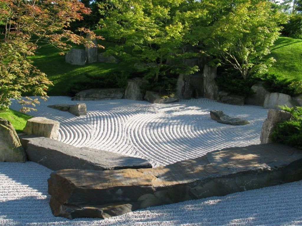 Beautiful Modern Rock Garden Ideas For Backyard Landscaping 20