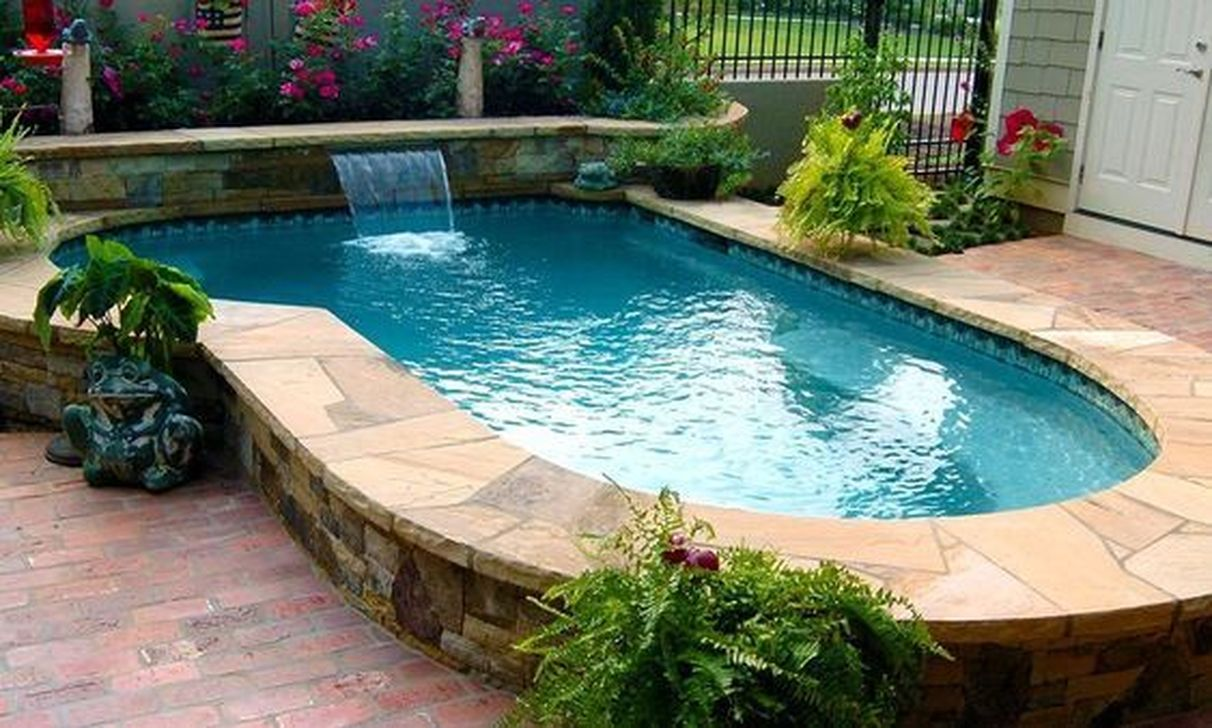 Lovely Small Swimming Pool Design Ideas On A Budget 29