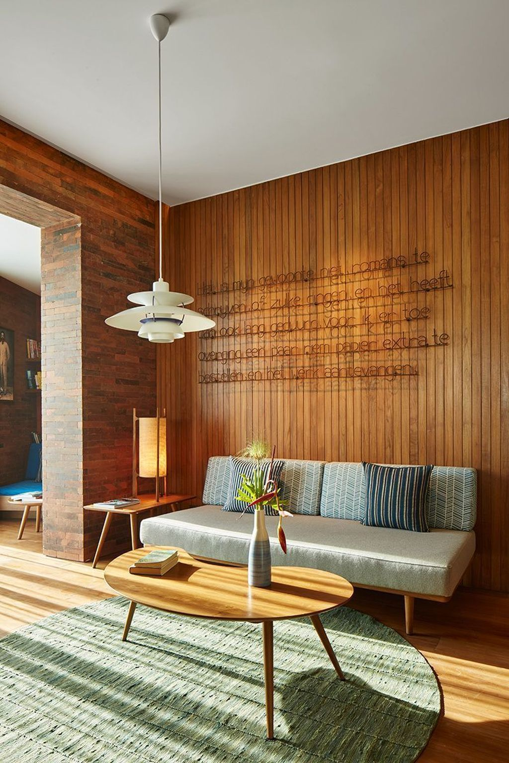 Awesome Modern Mid Century Living Room Decoration Ideas 11