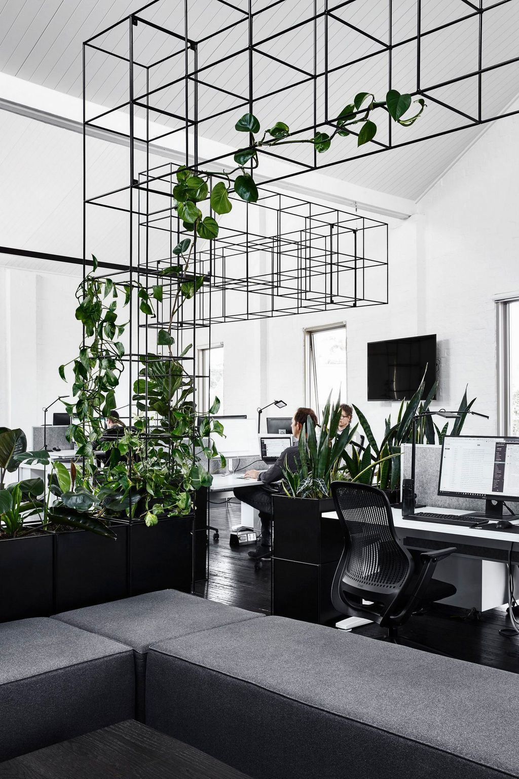 Awesome Modern Office Design Ideas 04