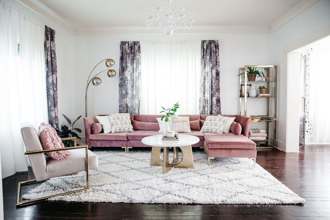 Beautiful Pink Living Room Decor Ideas 29