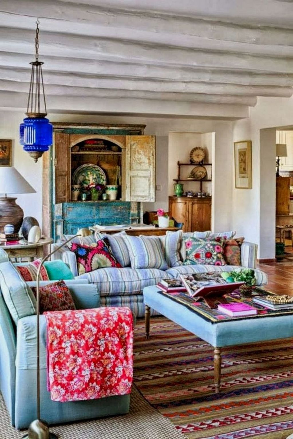 Fabulous Bohemian Living Room Decorating Ideas 25