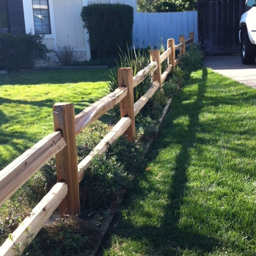 Inspiring Front Yard Fence Design Ideas 18