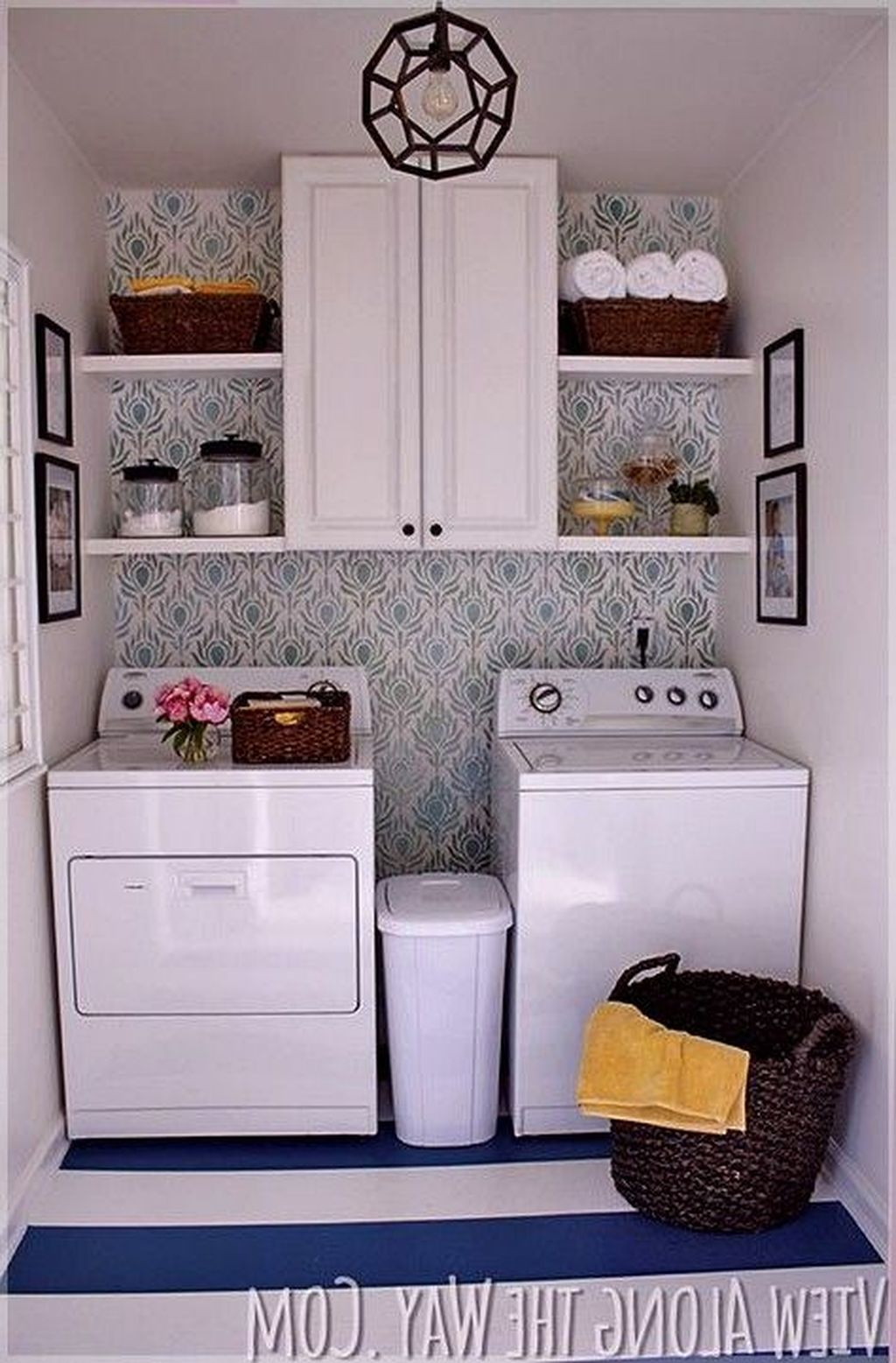 Inspiring Small Laundry Room Design And Decor Ideas 11
