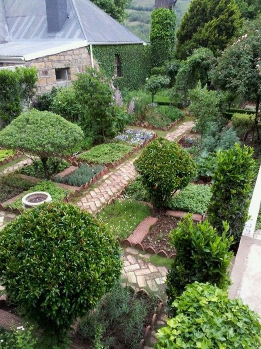 Inspiring Veggies Garden Layout For Your Outdoor Ideas 18