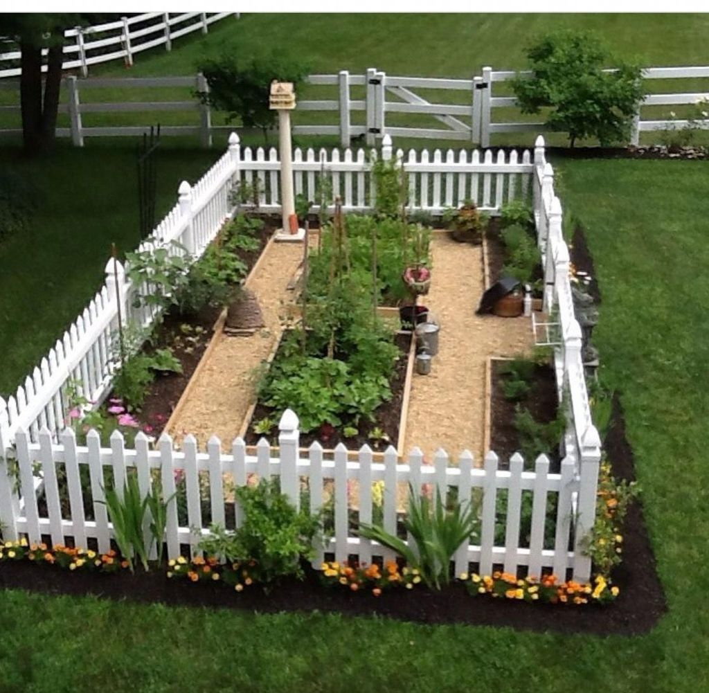 Inspiring Veggies Garden Layout For Your Outdoor Ideas 21