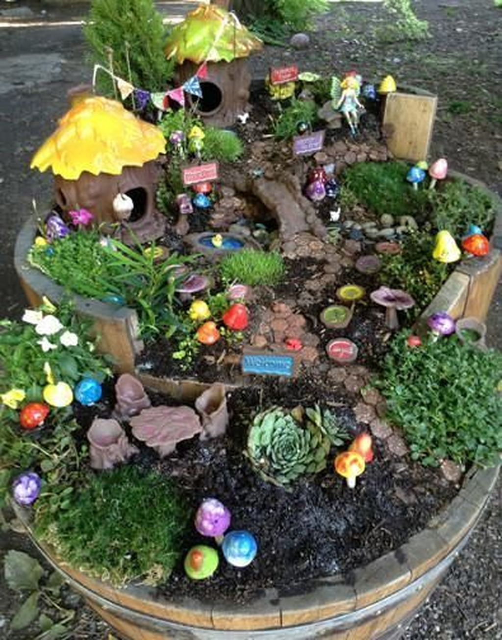 Lovely Beautiful Fairy Garden Design Ideas 04