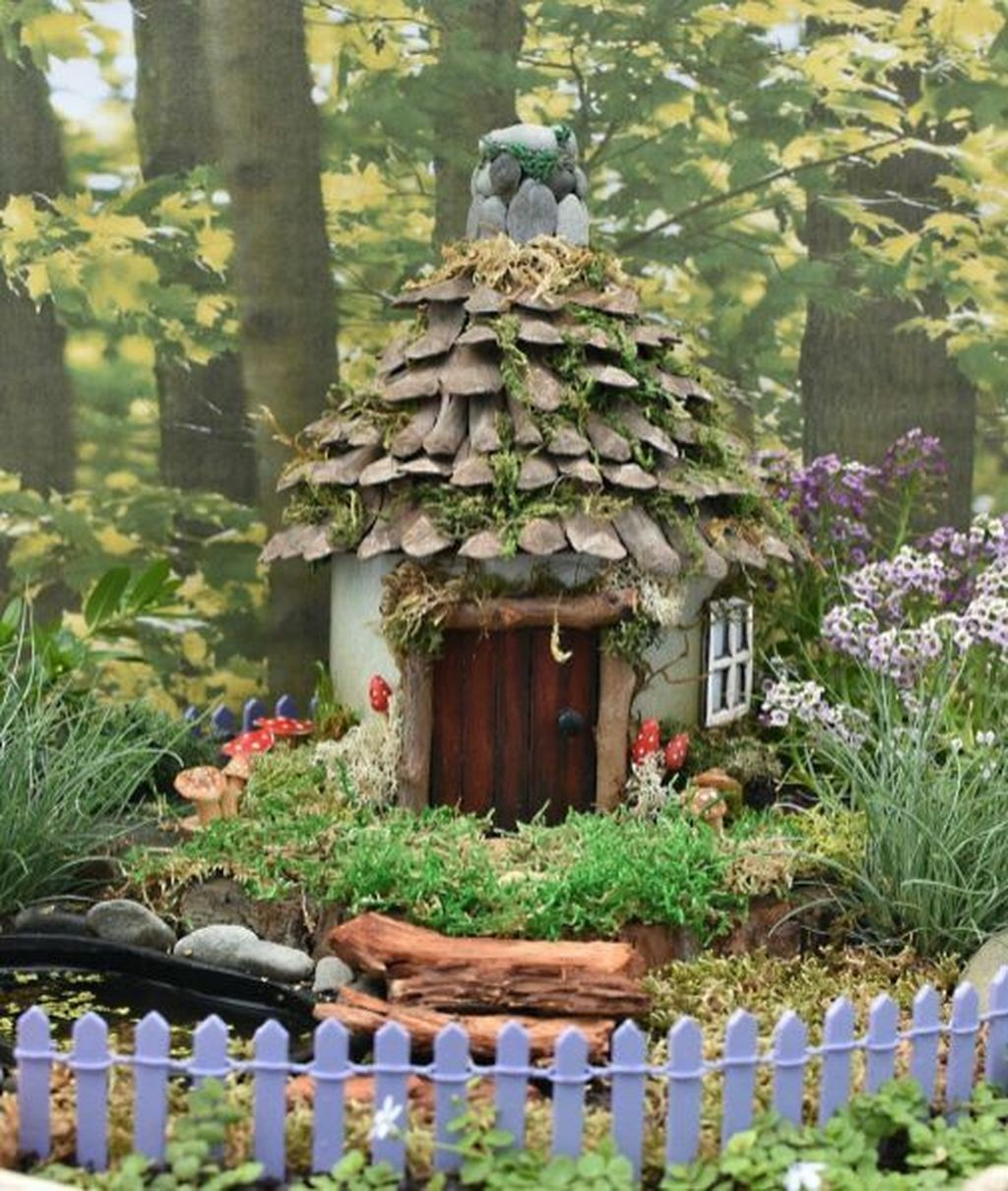Lovely Beautiful Fairy Garden Design Ideas 07