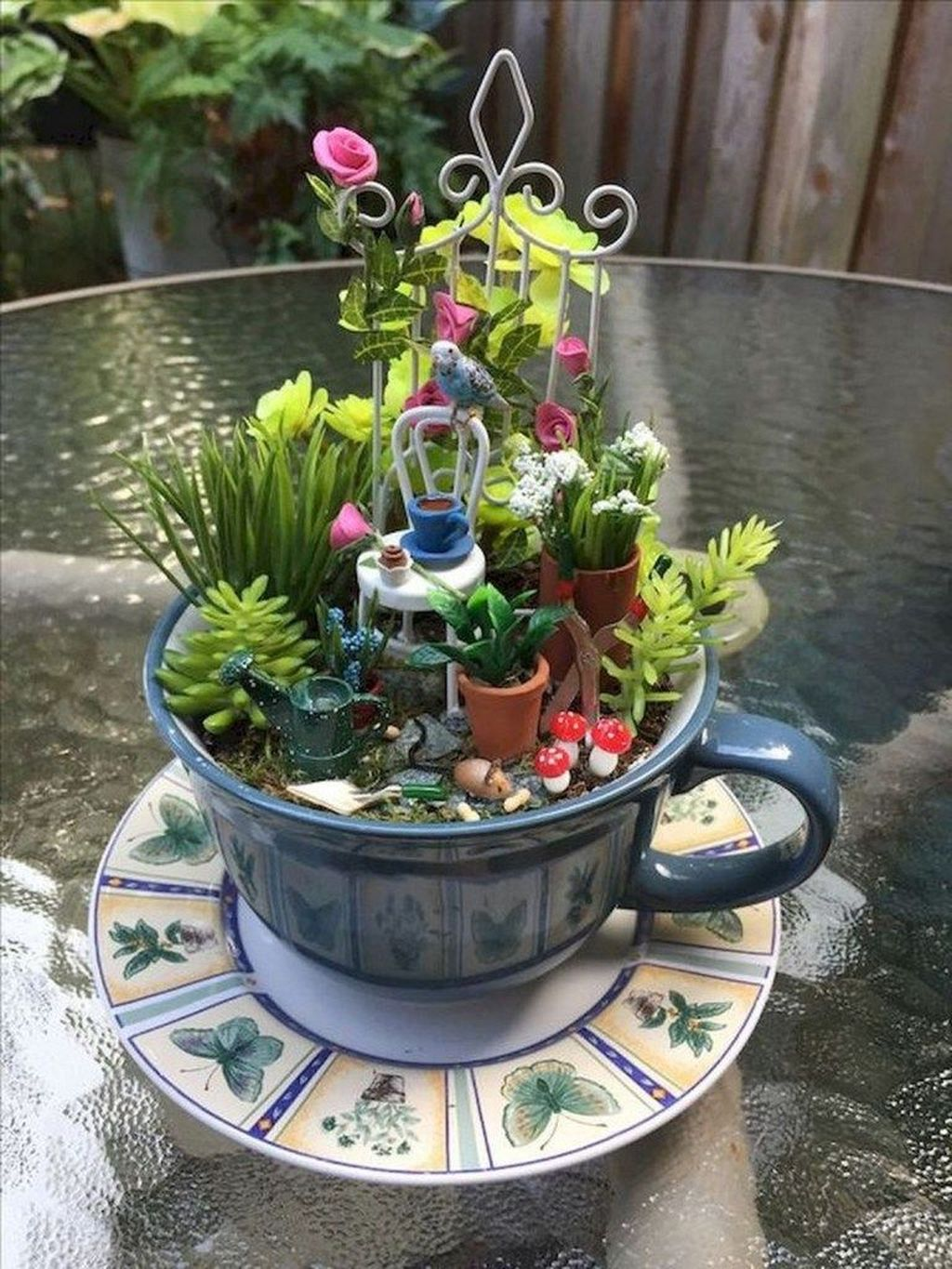 Lovely Beautiful Fairy Garden Design Ideas 14