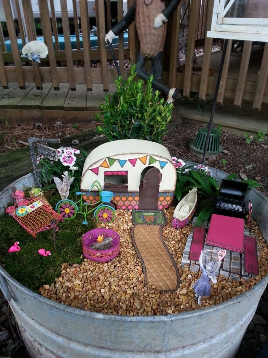 Lovely Beautiful Fairy Garden Design Ideas 17