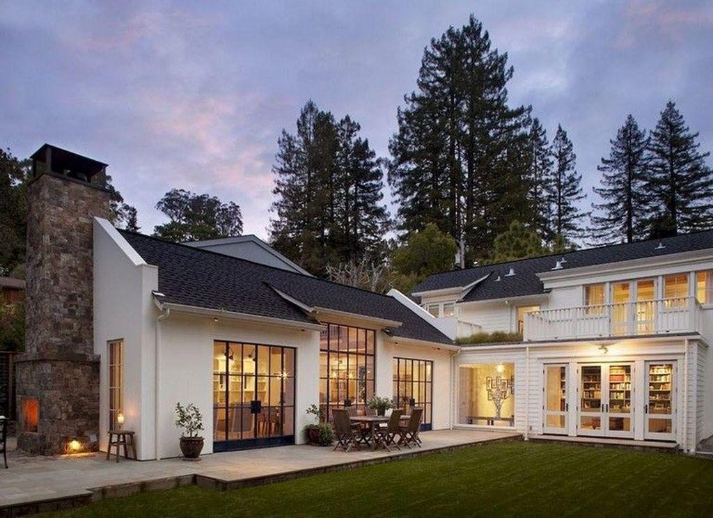 Lovely Modern Home Exterior Design Ideas 23
