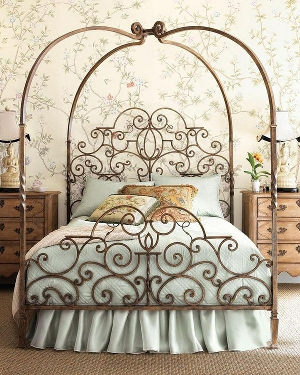 Lovely Romantic Canopy Bed Design Ideas For Your Bedroom 14