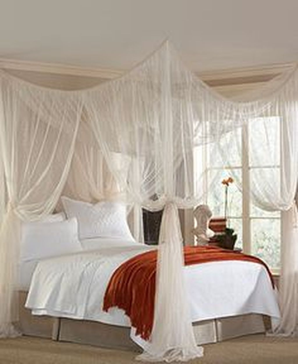 Lovely Romantic Canopy Bed Design Ideas For Your Bedroom 35
