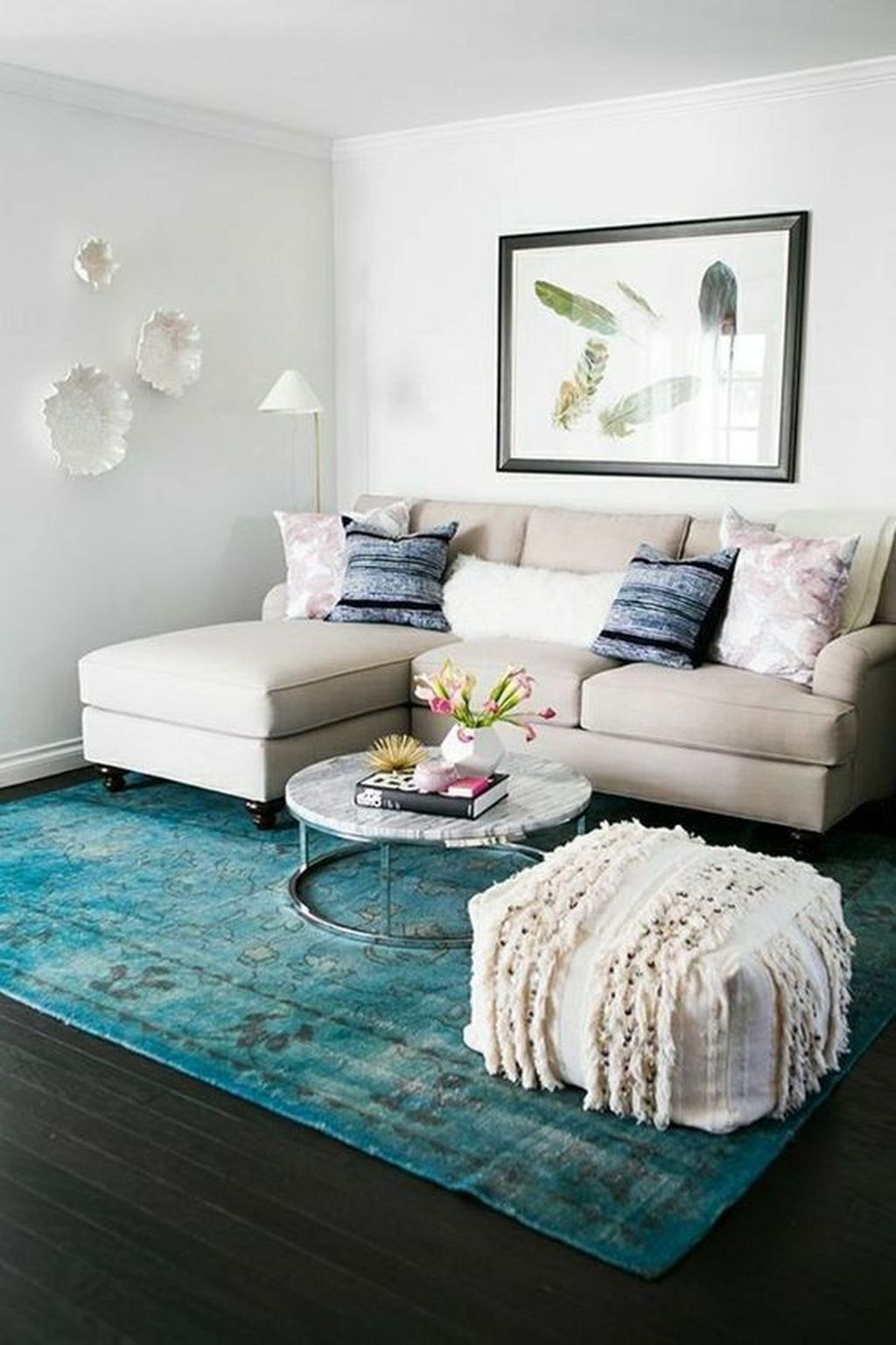 Perfect Small Apartment Decorating Ideas 12