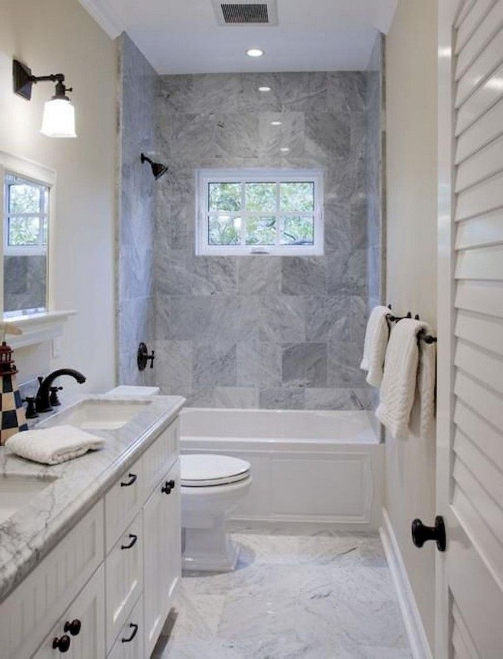 Popular And Stylish Small Master Bathroom Remodel Ideas 13