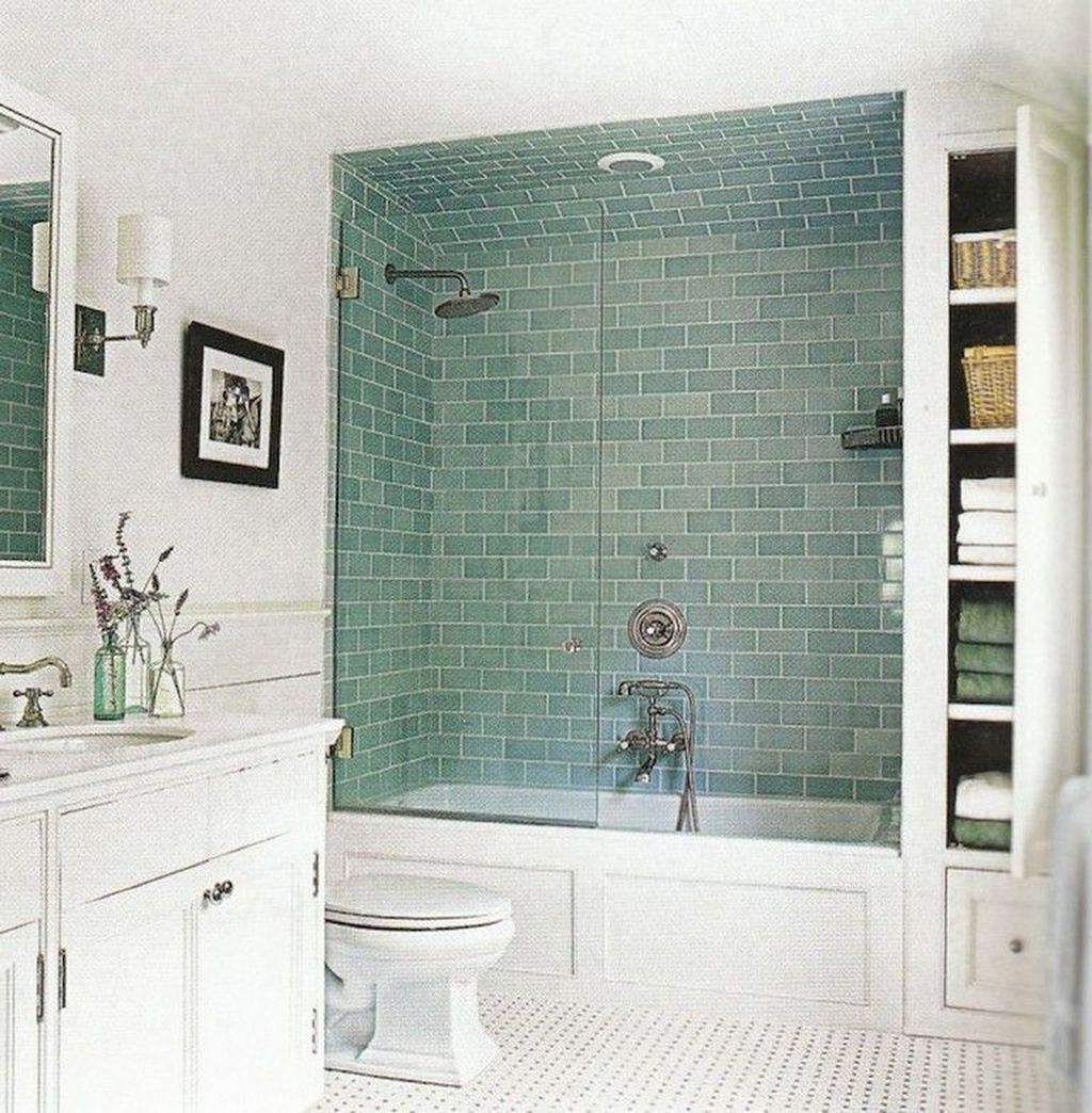 Popular And Stylish Small Master Bathroom Remodel Ideas 34