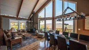 Stunning Lodge Living Room Decor Ideas 35