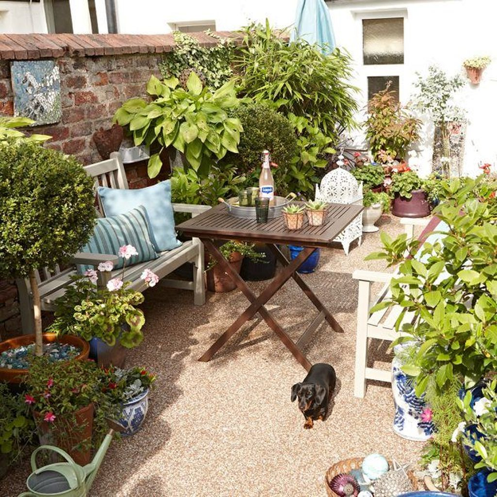 Stunning Tiny Garden Design Ideas To Get Beautiful Look 13