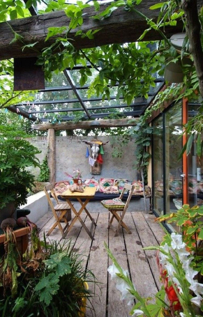 Stunning Tiny Garden Design Ideas To Get Beautiful Look 25