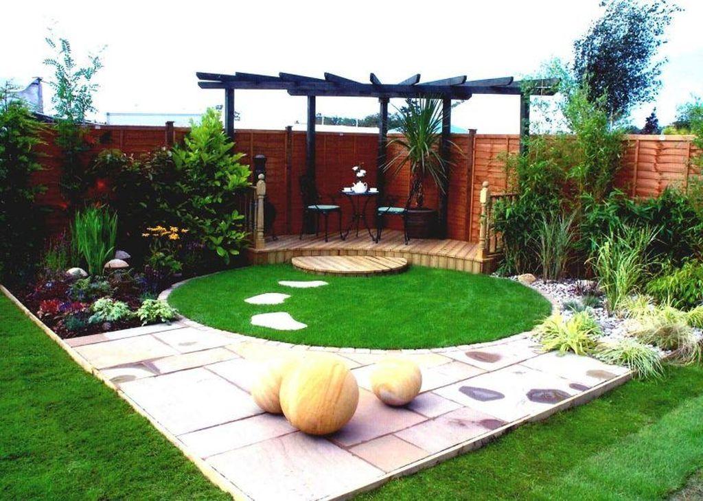 Stunning Tiny Garden Design Ideas To Get Beautiful Look 32