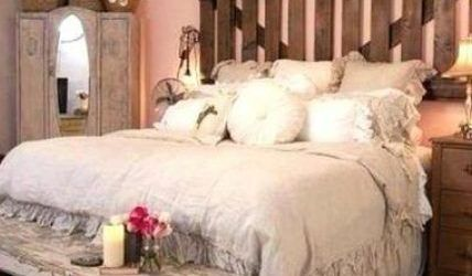 Amazing French Country Bedrooms Design Ideas 17