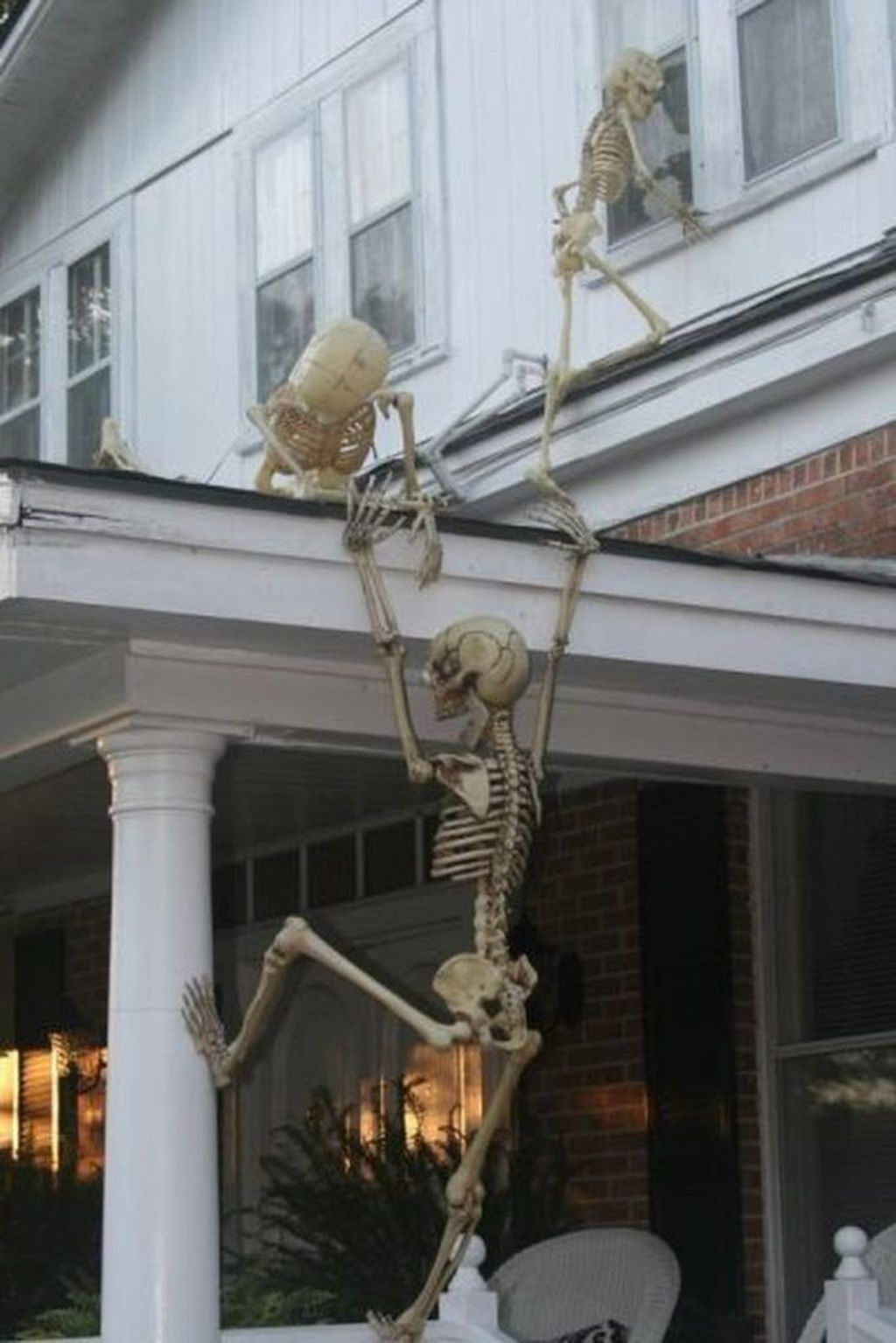 Amazing Halloween Outdoor Decorations Ideas 09