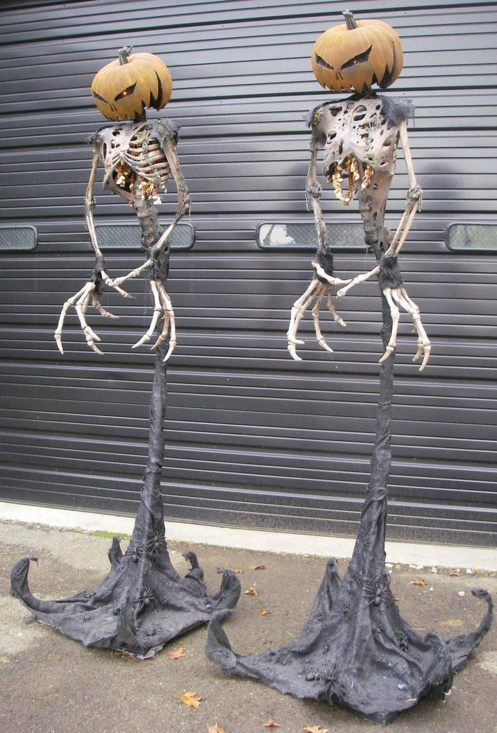 Amazing Halloween Outdoor Decorations Ideas 20