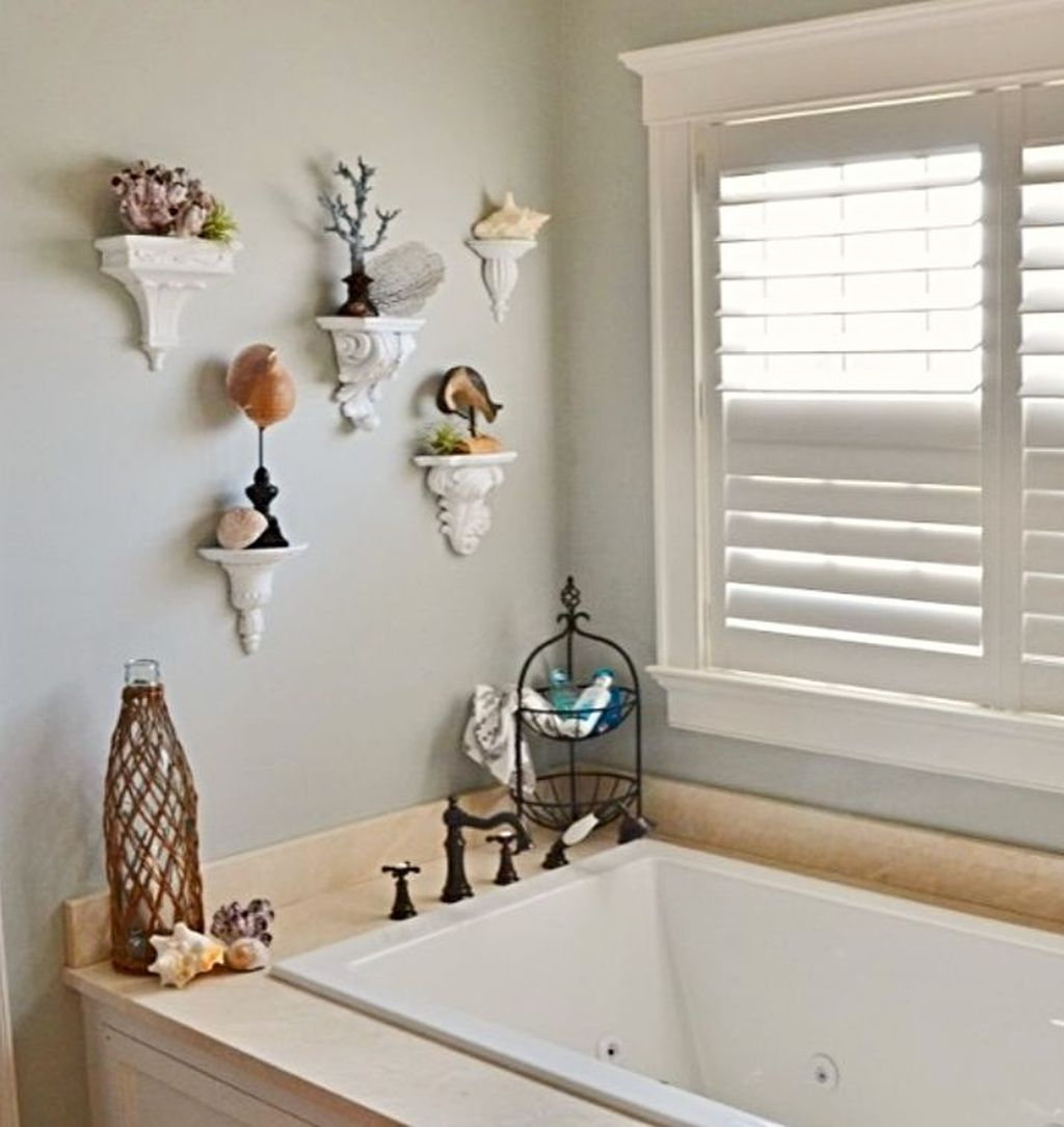 Awesome Coastal Style Bathroom Decorating Ideas 26