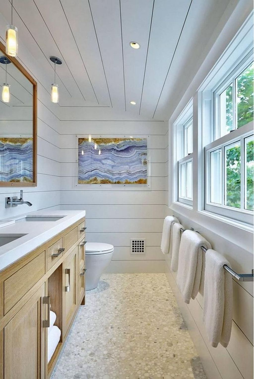 Awesome Coastal Style Bathroom Decorating Ideas 29