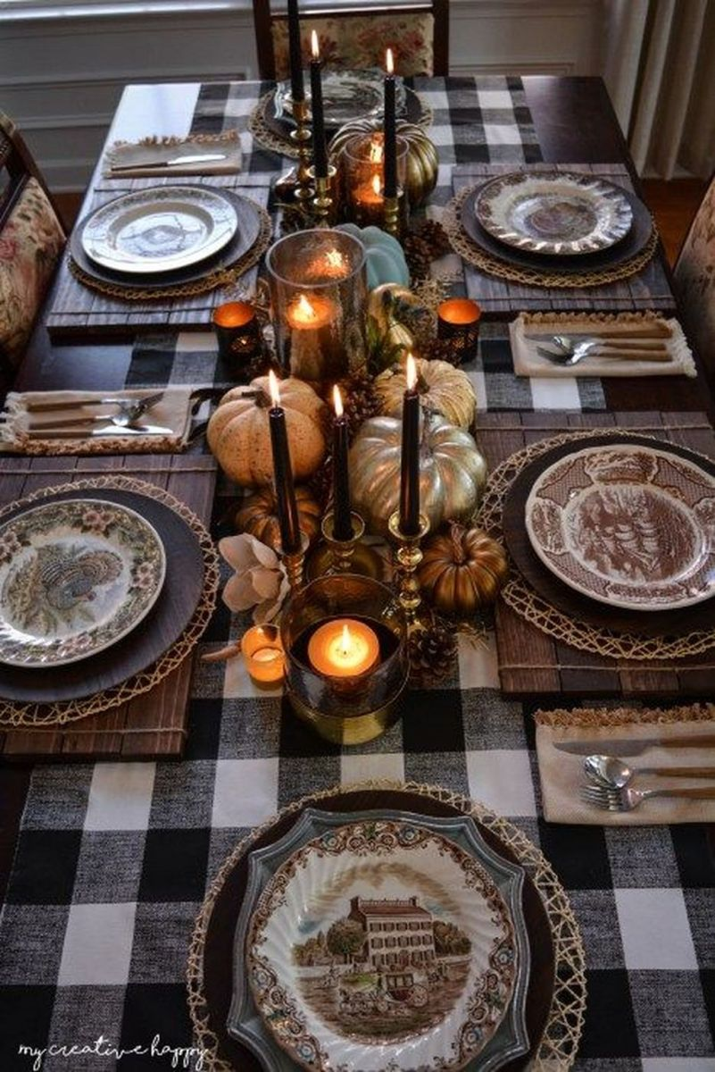 Awesome Fall Table Decorations Ideas You Should Apply This Year 04