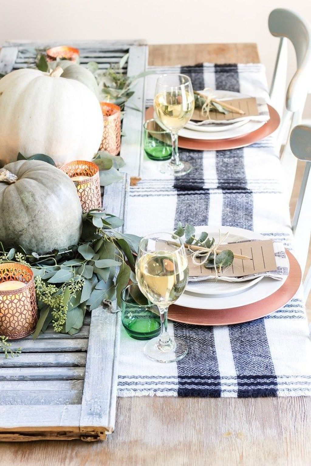 Awesome Fall Table Decorations Ideas You Should Apply This Year 12