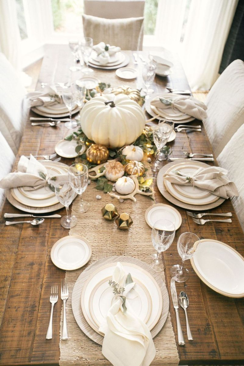Awesome Fall Table Decorations Ideas You Should Apply This Year 22