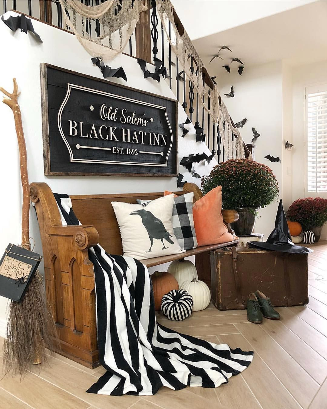 Awesome Spooky Halloweeen Home Decoration Ideas 09