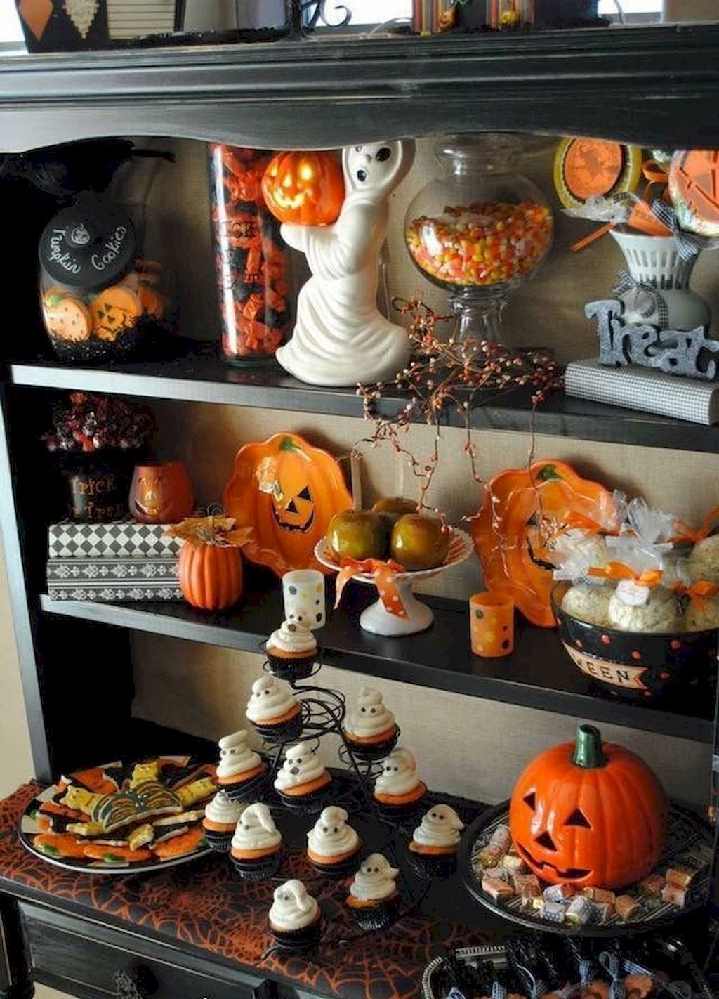 Awesome Spooky Halloweeen Home Decoration Ideas 17