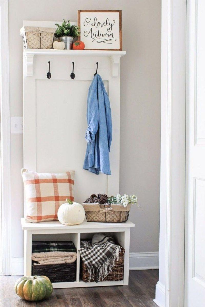 Beautiful Fall Entryway Decor Ideas 01
