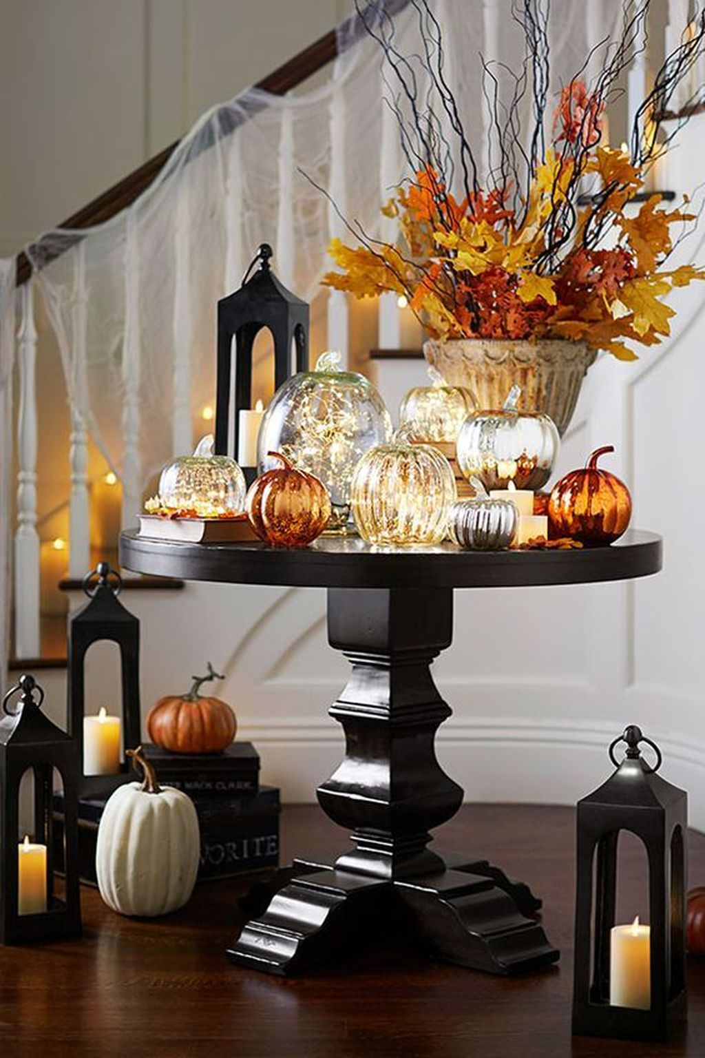 Beautiful Fall Entryway Decor Ideas 04