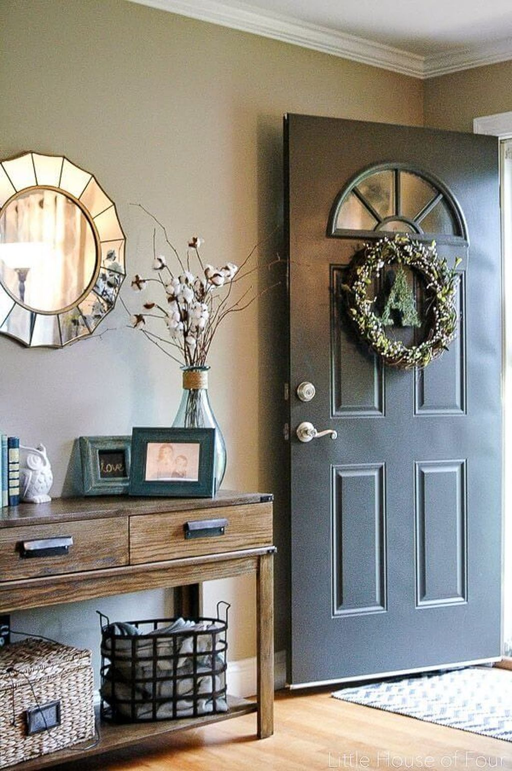 Beautiful Fall Entryway Decor Ideas 18