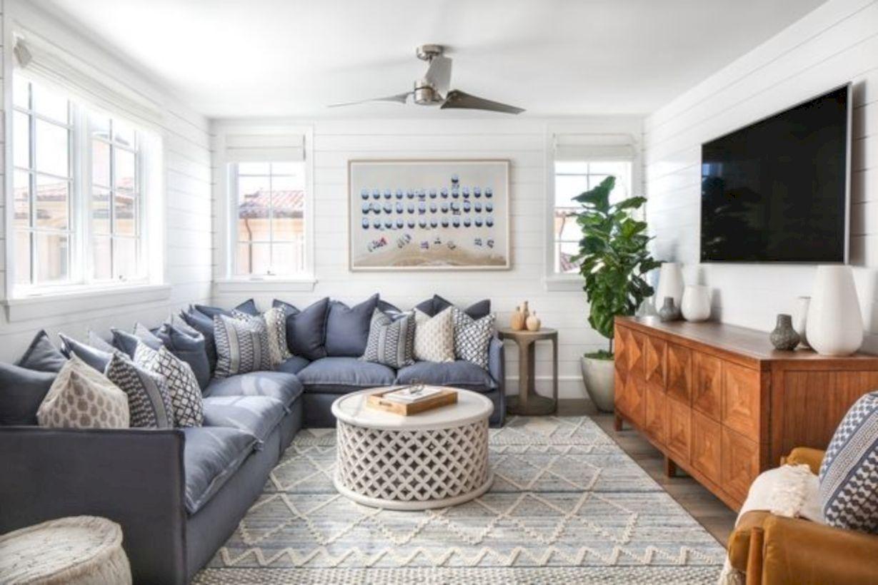 Beautiful Family Room Design Ideas 08